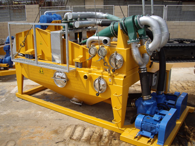 MODEL&CO, manufacturer of mud desanders of double cycloning MD350D for mud treatment for foundation engineering. MODEL&CO, manufacturer of foundation engineering equipment