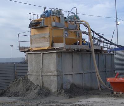MODEL&CO, fabricante de desarenadores de lodos de doble ciclonado MD190D para obras de cimentaciones especiales. Fabricante de maquinaria de tratamiento de lodos