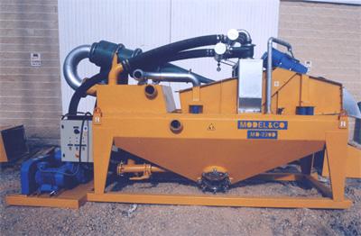 MODEL&CO, fabricante de desarenadores de lodos de doble ciclonado MD220D para obras de cimentaciones especiales. Fabricante de maquinaria de tratamiento de lodos