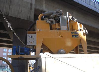 MODEL&CO, fabricante de desarenador estándar de lodos de simple ciclonado MD120S para obras de cimentaciones especiales. Fabricante de maquinaria de tratamiento de lodos