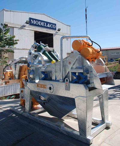 MODEL&CO, fabricante de mini desarenadores de lodos de simple ciclonado MD45 para obras de cimentaciones especiales. Desarenador para geotermia. Fabricante de maquinaria de tratamiento de lodos