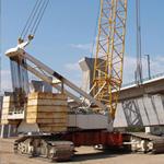 Grúa sobre orugas Demag CC 2000 RL de segunda mano con capacidad de carga de hasta 800 toneladas