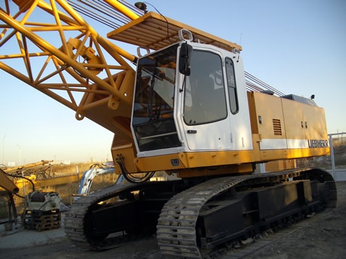 Second hand Liebherr HS853HD crawler rope excavator with high line pull equipment. Used anchoring and micropiling machines equipment