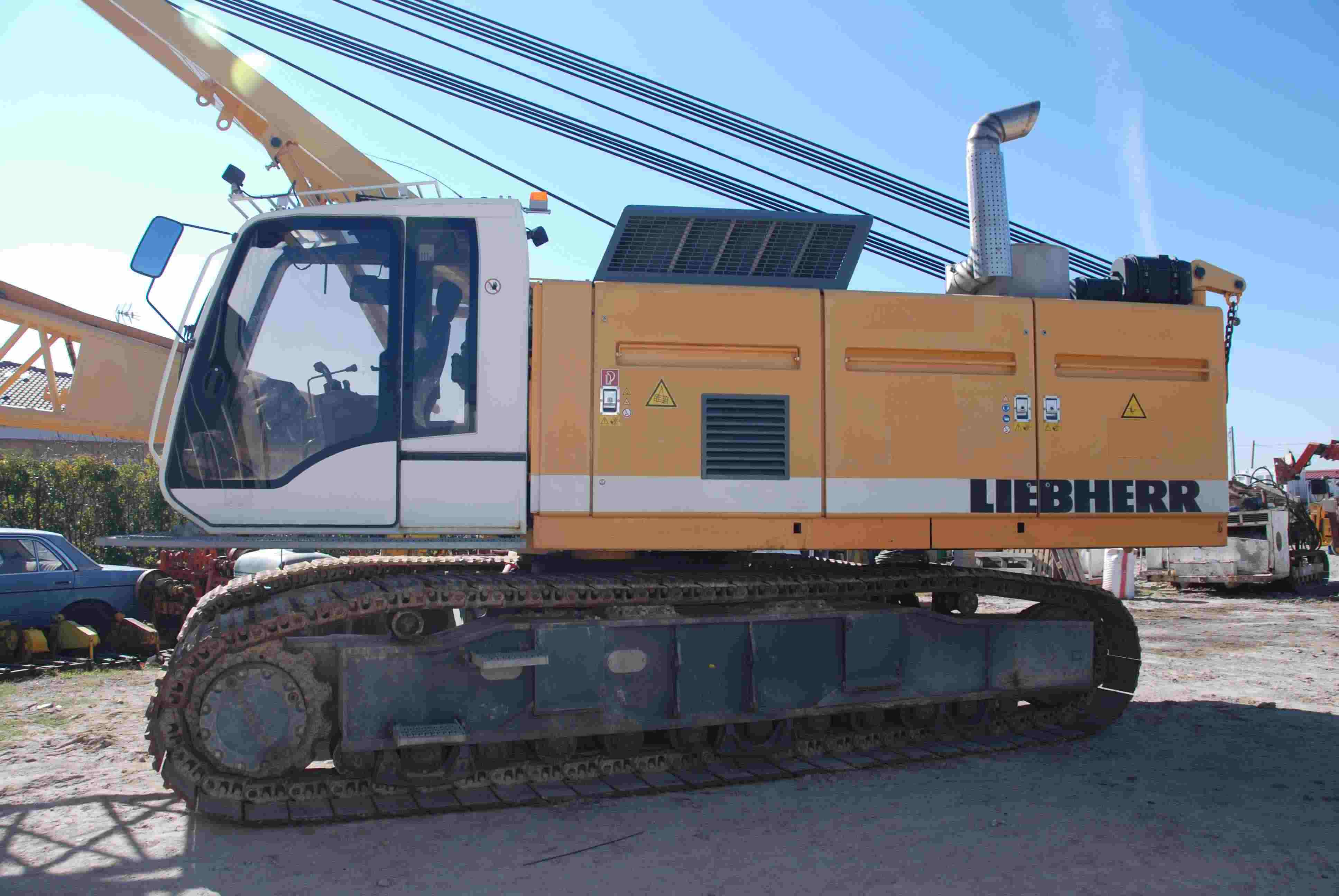 Used Liebherr HS855HD (2006) for rent and sale. used crawler rope excavators with high line pull for rent or sale