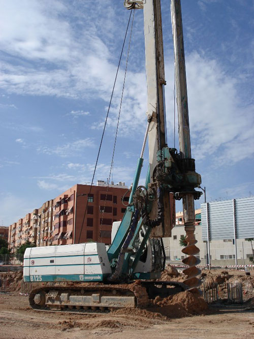 Used Casagrande B125 year 2008 for rent and sale. used piling rigs for large diameter boring equipment for rent or sale