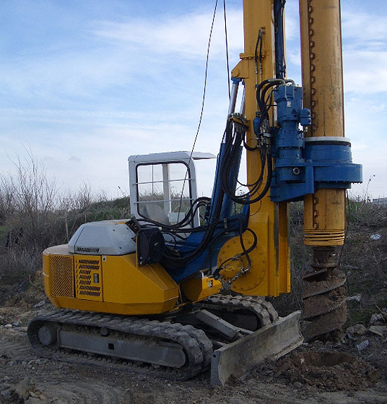Second hand Model&co RF4S pile rig machine. Used engineering foundation equipment for piling rigs for large diameter boring