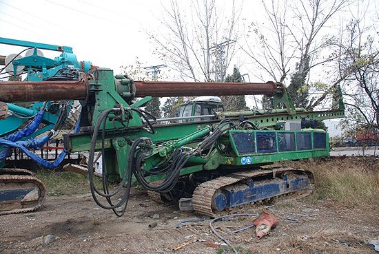Second hand Trivelsonda Trive 12 pile rig machine. Used engineering foundation equipment for piling rigs for large diameter boring